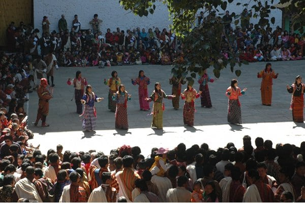 tradition_dance_punaka_dzong