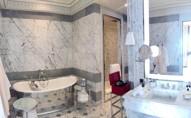 La Reserve Paris suite bathroom Edgar Vaudville